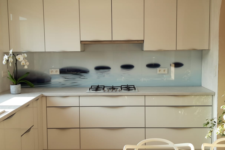 Crédence de cuisine en verre trempé personnalisé avec une photographie sur-mesure